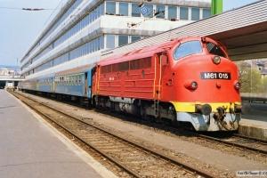 MÁV M61 015 med Tog 9714. Budapest-Déli 14.04.1991.