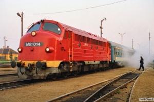 MÁV M61 014 med Ex 957. Tapolca 15.04.1991.