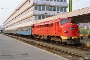 MÁV M61 013 med Tog 9718. Budapest-Déli 16.04.1991.