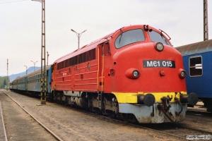 MÀV M61 015 med Tog 9764. Tapolca 17.04.1991.