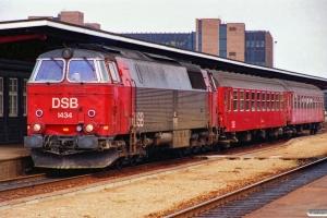 DSB MZ 1434+B+B som P 2753 Od-Fa. Odense 28.07.1989.