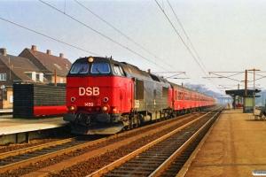 DSB MZ 1459 med P 5039 Kh-Ge. Ringsted 17.03.1990.