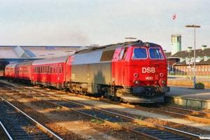 DSB MZ 1430+Ckm+Bn+ABns-n som P 6470 Fa-Kh. Fredericia 05.05.1990.