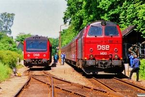 DSB MR/D 75 som P 2839 Svg-Od og MZ 1420+ADns-e+5 Bn som P 8530 Kh-Frs. Fruens Bøge 19.05.1990.