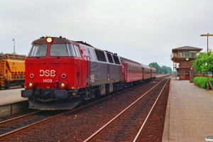 DSB MZ 1409+3 B som Re 3609 Es-Fa. Bramming 25.06.1991.