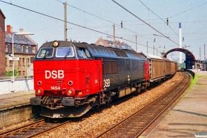 DSB MZ 1454 med G 40721 Kk-Rfø. Nørrebro 03.07.1991.