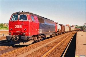 DSB MZ 1443 med G 9266 Næ-Gb. Næstved 05.07.1991.