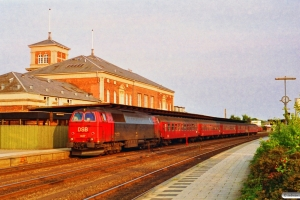 DSB MZ 1427+3 B+Bk+BDan som Re 3149 Ngf-Ab. Ålborg 28.06.1992.