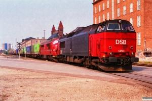 DSB MZ 1450+HFHJ MX 17 rangerer med G 40726 Rfø-Kk. Østerport 02.05.1993.