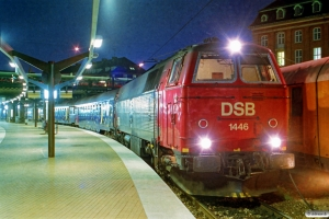 DSB MZ 1446+Bcm-o+Bcm+2 WLABr+2 Bcm+2 WLABr+Bcm som P 591 Kh-Fh. København H 02.05.1993.