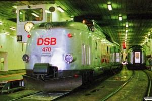 DSB MA 470 og BS 488 med L 167 Kh-Fh/Str på Færge 163. Korsør 24.06.1988.