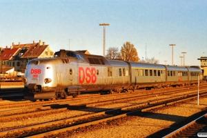 DSB MA 468 med Str-delen af L 123. Nyborg Færge 09.12.1989.