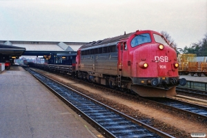 DSB MY 1108+skinne-/svellevogne som G 8731 Hk-Fa. Fredericia 08.11.1989.