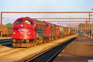 DSB MY 1120+MY 1114+MH 305 med G 89330 Fa-Od. Odense 05.05.1990.