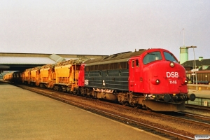 DSB MY 1146+ballastrensetog som M 8032 Od-Fa. Fredericia 25.04.1991.