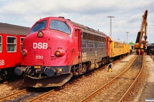 DSB MY 1130+hjælpetog til afsporet MT 159. Nyborg Færge 30.06.1991.