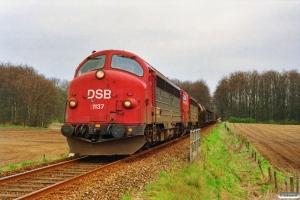 DSB MY 1137+MY 1135 med G 7220 Od-Svg. Km 33,8 Od (Kværndrup-Stenstrup) 23.04.1992.