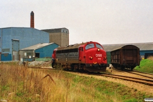 DSB MY 1138 rangerer på Genfiber. Assens 24.04.1992.