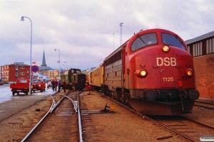 DSB MY 1125+hjælpetog og afsporet MH 396. Århus 20.11.1992.