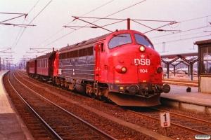 DSB MY 1104+CU 4011+CY 4640+Gs som M 8116 Fa-Sg. Slagelse 01.04.1993.