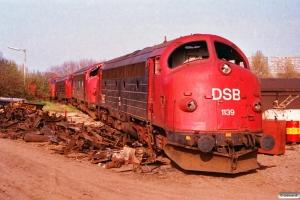 DSB MY 1139, MY 1130, MY 1141 og MV 1102 ved Henriksen. Århus 24.04.1993.