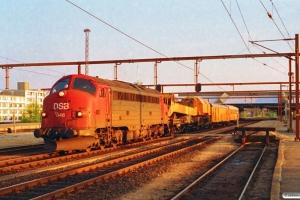 DSB MY 1146+hjælpetog som M 6109 Pa-Fa. Fredericia 09.05.1994.