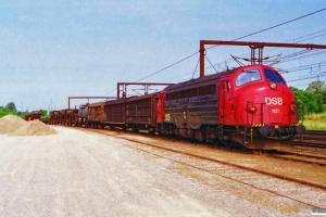 DSB MY 1127 rangerer med G 9410 Gt-Gl. Hedehusene 03.07.1995.
