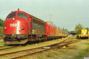 DSB 90 86 00-21 135-7+DB 185 013-0+målevogn 001+003+002+måleledsagevogn 008. Rødekro 20.10.2001.