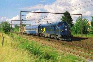DSB 90 86 00-21 135-7+måleledsagevogn 008+Siemens 708 302-5 som GM 8037 Pa-Hg. Km 162,0 Kh (Odense-Holmstrup) 29.08.2004.