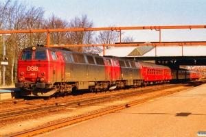 DSB MZ 1414+MZ 1402+Bab+3 B+A+BD som IP 275 Fh-Flb. Fredericia 17.04.1994.