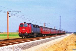 DSB MZ 1422+B+AB+AB+BD+A+3 B som IP 275 Fh-Flb. Km 78,2 Fa (Vojens-Rødekro) 01.05.1995.