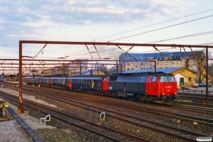DSB MZ 1437 med IR 590 Fh-Kh. Roskilde 26.04.1997.