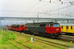 DSB MZ 1435 og udbrændt MM 7701. Dybbølsbro 29.06.1997.