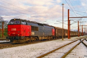 DSB MZ 1452 med G 8645 Rg-Od. Ringsted 24.12.2000.