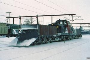 ENT Plov 135+DSB MT 166+ENT Plov 136 klar til snerydning på Sønderborg banen. Tinglev 24.02.2005.