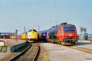 DSB 90 86 00-21 108-4 og EA 3008. Nyborg Færge 09.07.1995.