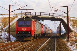 DSB EA 3018+EA 3021+EA 3014+WLABm 461+Målevogn 001+EA 3019+EA 3003+EA 3008+ME 1509 parkeret på fri strækning if. med filterforsøg. Km 21,6 Ng (Marslev-Odense) 11.01.1997.