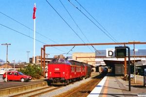 DSB ADns-e 552+EA 3011 som M 8331 Od-Fa. Odense 16.04.1997.