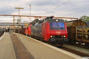 DSB EA 3007+LJ M 36 (udlejet til VLTJ) med G 7483 Gb-Arg. Odense 06.07.2000.