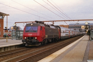 DSB EA 3019+8 SBB vogne+EA 3005 som IC 861 Hgl-Fa. Odense 04.04.2001.