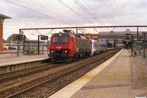 DSB EA 3009+SJ X2K 2036+UB2XK 2541 som M 6141 Kh-Rq. Odense 19.10.2003.
