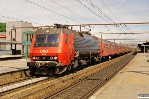 DSB EA 3004 med RØ 4153 Kk-Bo. Roskilde 19.08.2005.