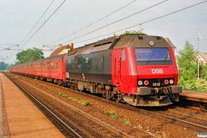 DSB ME 1519 med Re 3048 Rg-Hg. Viby Sjælland 02.07.1991.