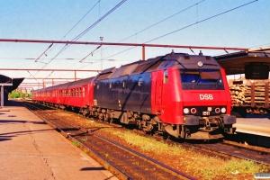 DSB ME 1511 med RØ 2469 Ro-Næ. Roskilde 22.05.1995.