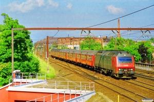 DSB ME 1528 med RØ 2261 Kk-Rf. Roskilde 28.06.1997.
