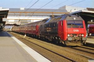 DSB ME 1529 med IR 1652 Ab-Kh. Odense 22.04.2001.