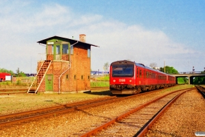 DSB MR/D 59+MR/D 49 som RV 3805 Ar-Str. Viborg 26.05.1995.