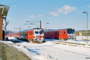 DSB MR/D 83 og MR/D 56. Odense 20.02.1996.