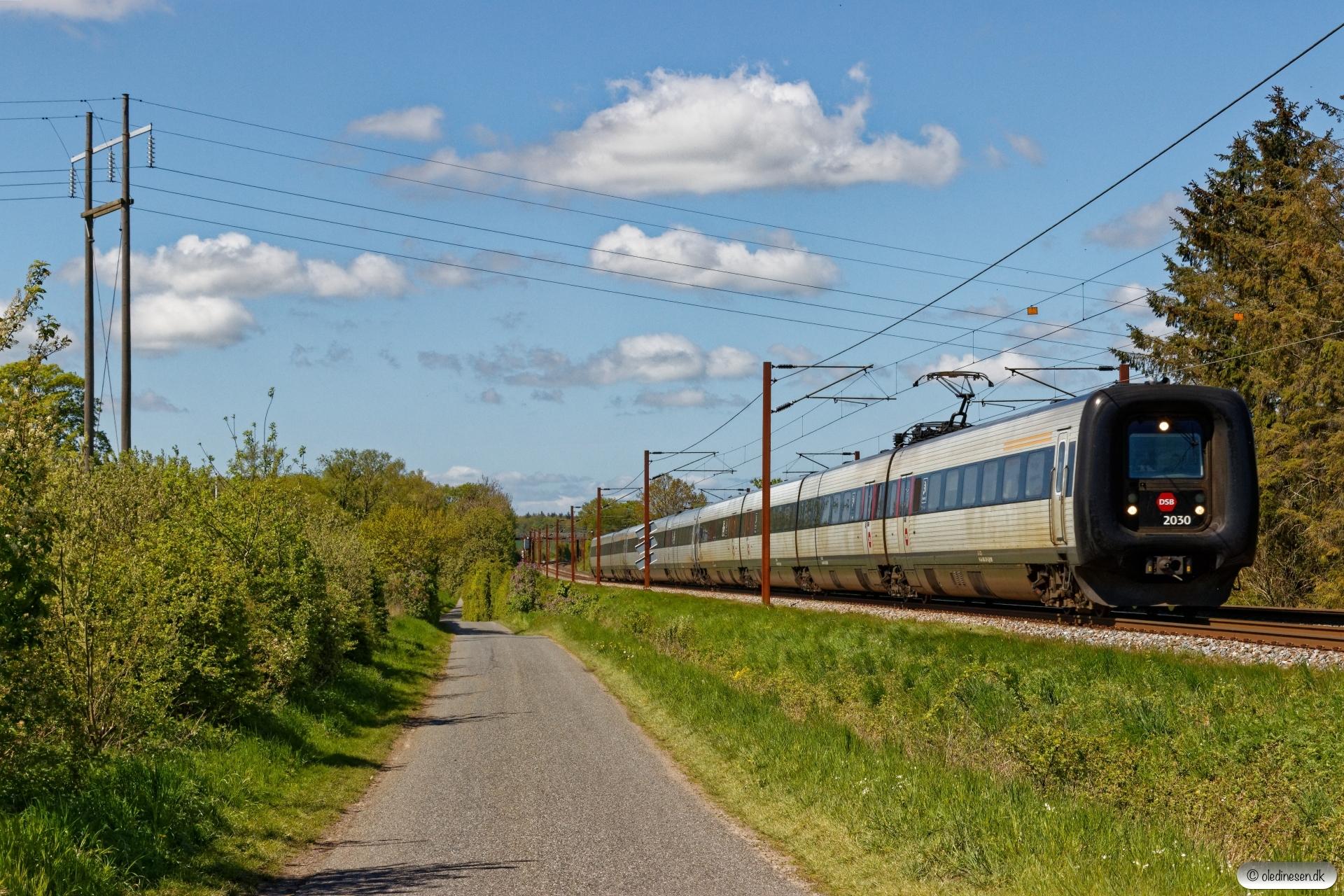 DSB ER 30+MF 04+MF 62 som L 40 Ar-Od. Km 173,6 Kh (Holmstrup-Tommerup) 11.05.2019.