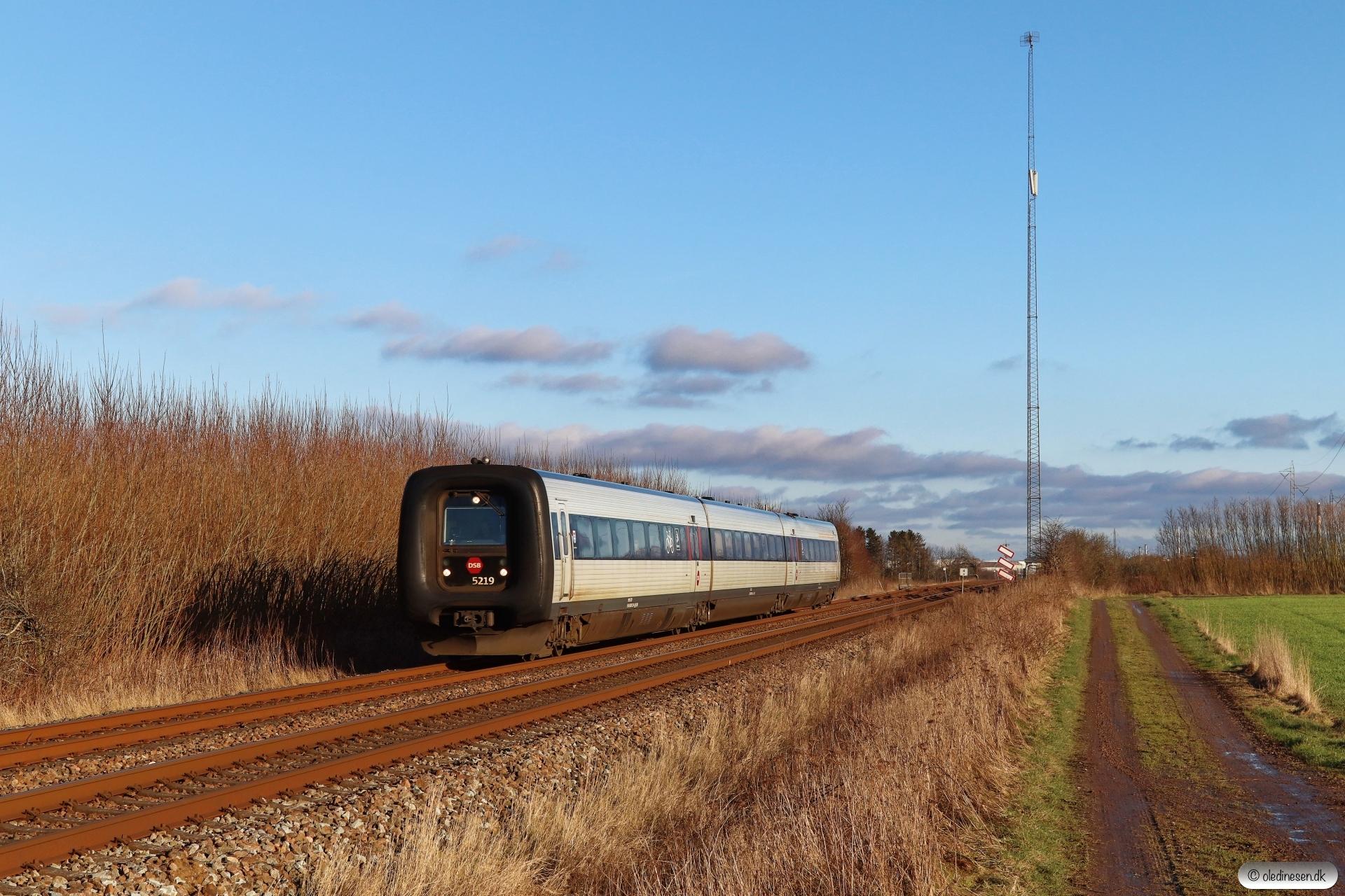 DSB MF 19 som IC 145 Kh-Ab. Km 4,4 Fa (Fredericia-Børkop) 28.01.2021.